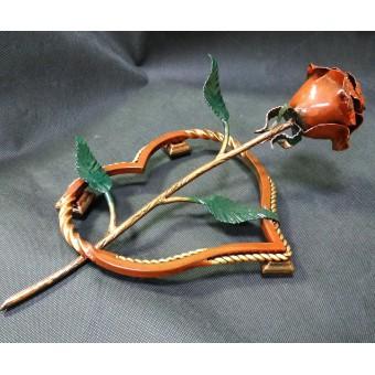 Кованая роза на подставке 0001