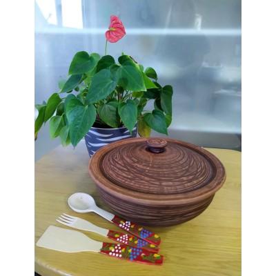 Кастрюля из красной глины 5 л + набор древянных приборов